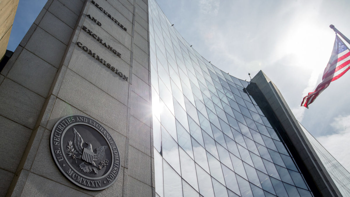 SEC is drawing a line between altcoins and Bitcoin.